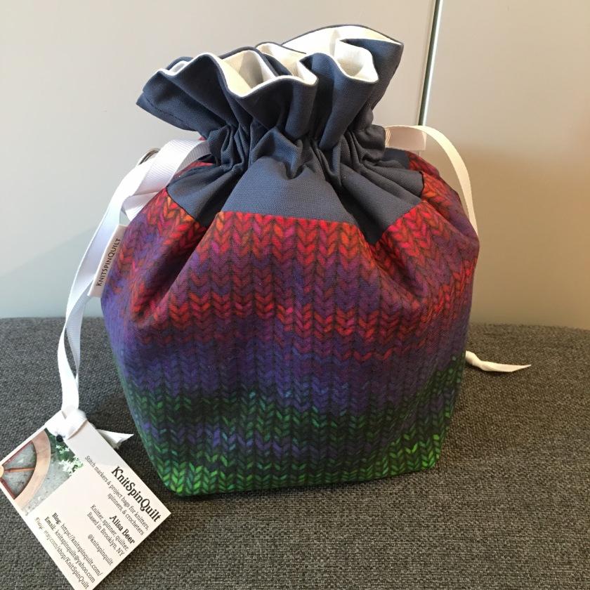 Knit print rainbow drawstring bag